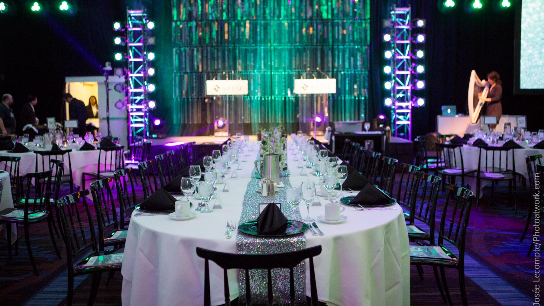 Table et décors de soirée corporative